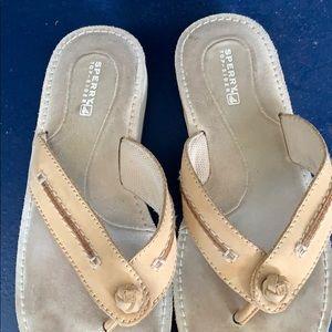 Women's Sperry flip flops